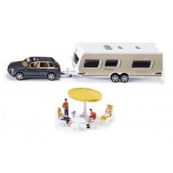 Porsche Cayenne met caravan