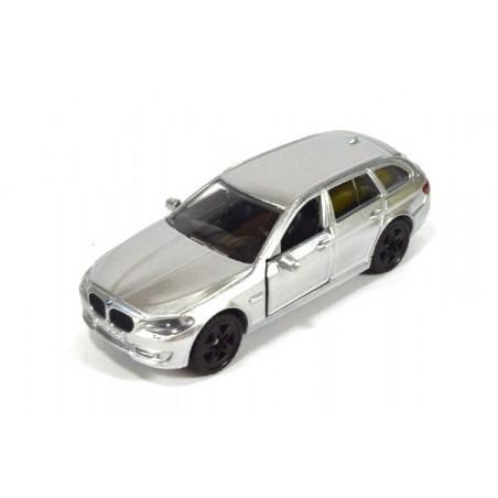 BMW 520i Touring met achterlichten