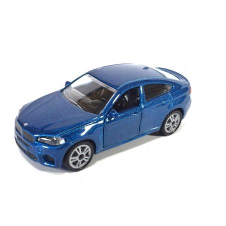BMW X6 M lichtblauw metallic