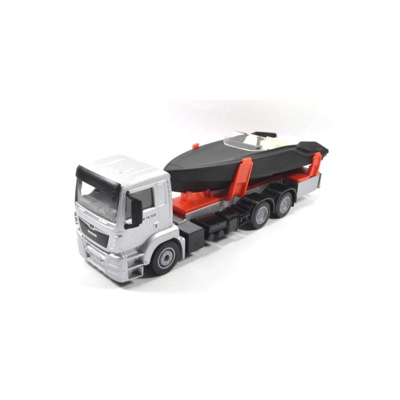 MAN vrachtwagen met motorboot