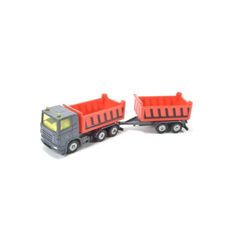 Camion avec benne basculante et remorque benne