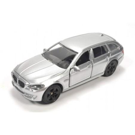 BMW 520i Touring mit bedruckten Rücklichtern
