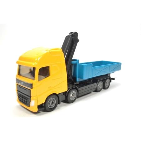 Volvo vrachtwagen met afrolcontainer