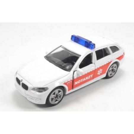 BMW 520i Notarzt mit aufgedruckten Rückleuchten und hohe Blaulichtleiste