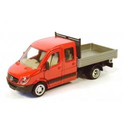 Mercedes Transporter mit Pritsche
