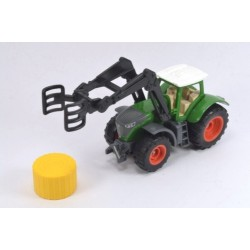 Fendt with bale gripper